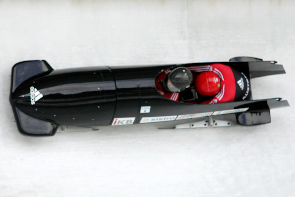 LX8M3921